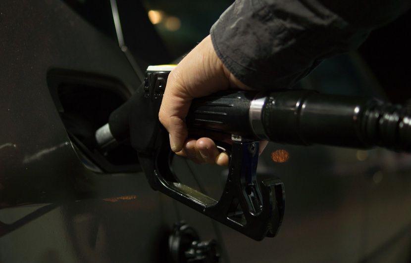 Carburant : Les prix à la pompe poursuivent leur baisse
