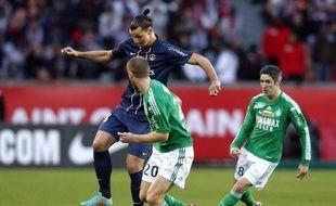 Le face-à-face entre Saint-Etienne et le Paris SG, mardi à Geoffroy-Guichard, constitue le choc des quarts de finale de la Coupe de la Ligue alors que Lille, autre gros bras encore en lice, ne peut pas se permettre de faux-pas à Bastia, mercredi, après son début de saison morose.