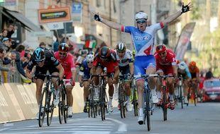le Français Arnaud Démare remporte le Milan - San Remo 2016.