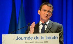 Le Premier ministre Manuel Valls prononce un discours à l'occasion de la journée de la laïcité à Paris, le 9 décembre 2015