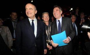 Les maires de Bordeaux et Pau Alain Juppé et François Bayrou à Pau le 8 mars 2014