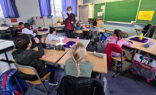 Lille, le 1er septembre 2020. Rentrée des classes à l'école primaire Turgot, dans le quartier de Lille Sud.