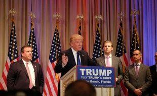 Le candidat républicain Donald Trump lors d'un discours de campagne, à Palm Beach en Floride, le 1er mars 2016