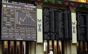 La tension s'est avivée mardi sur les places financières européennes, affectant tout particulièrement Milan et Madrid, touchée de plein fouet par les difficultés de la Catalogne.