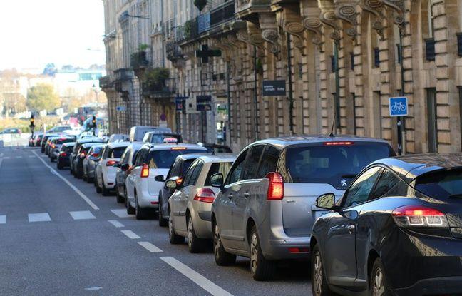Dimanche en début d'après-midi, des bouchons commençaient à se former rue Esprit des Lois