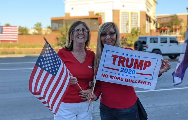 Nicole and Wendy came to support Donald Trump on November 15, 2020 in Yorba Linda, California.