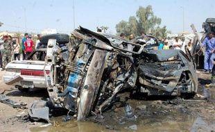 Une vague d'attaques, dont 15 à la voiture piégée, a fait près de 50 morts et plus de 100 blessés dimanche en Irak, selon un bilan établi à partir de sources médicales et policières.
