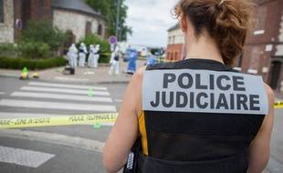 Des membres de la police judiciaire: illustration