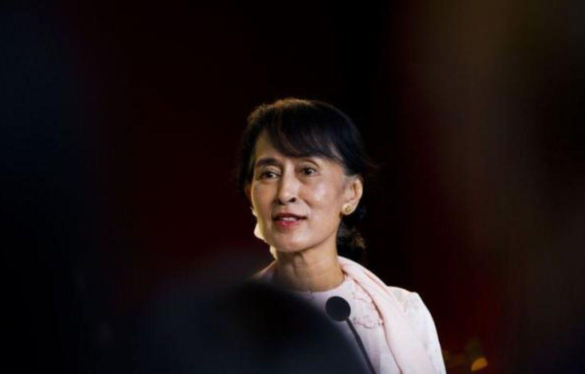 L'opposante birmane Aung San Suu Kyi a déclaré que son pays était sur la voie de la réconciliation nationale et remercié le peuple norvégien de son soutien, vendredi à son arrivée à Oslo où elle doit prononcer son discours d'acceptation du prix Nobel de la Paix décerné en 1991. – Vegard Groett afp.com