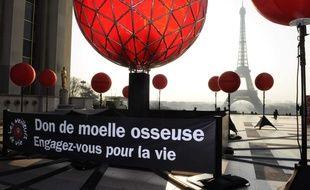 Une campagne pour le don de moelle osseuse, à Paris.