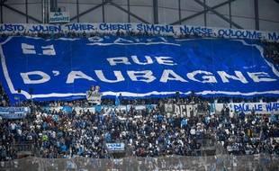 Les supporters des deux virages du Vélodrome ont rendu un bel hommage aux victimes des effondrements d'immeubles rue d'Aubagne.