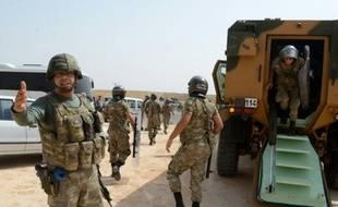 Le blocus des forces de sécurité turques sur la route menant à la ville de Cizre, sous couvre-feu, le 9 septembre 2015