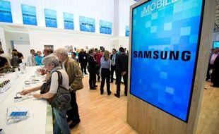 Le groupe sud-coréen Samsung Electronics Co. a annoncé vendredi tabler sur un bénéfice d'exploitation record au troisième trimestre, de quelque 7 milliards d'euros, un résultat attribué par les analystes à la hausse des prix des puces mémoire et des semiconducteurs.