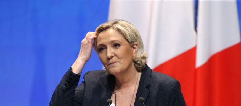 Coup dur pour Marine Le Pen, le nouveau nom du FN ne passe pas.