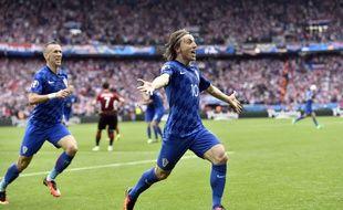 La joie de Luka Modric après son magnifique but lors de Turquie-Croatie à l'Euro, le 12 juin 2016.