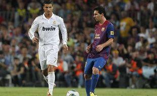 Lionel Messi face à Cristiano Ronaldo lors de la finale de la Supercoupe d'Espagne