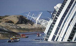 La compagnie Costa Crociere, propriétaire du Concordia, et une association de passagers qui ont survécu à l'accident du 13 janvier, sont parvenus vendredi à un accord qui prévoit un dédommagement forfaitaire de 11.000 euros par passager, plus les frais.