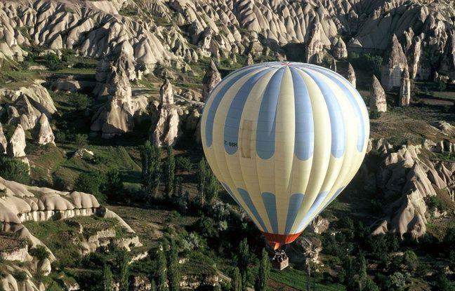VIDEO. Habitats troglodytes, roches travaillées par des cendres volcaniques: partez à la découverte du parc national de Göreme en Turquie