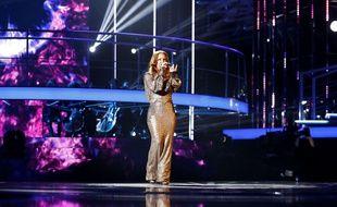 Emji porte une robe Julien Fournié sur le plateau de la finale de «Nouvelle Star».