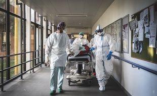 Des membres du personnel médical de l'hôpital de Gap, le 12 novembre 2020.
