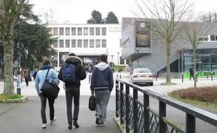 Le campus universitaire (au fond la fac de Lettres) à Nantes.