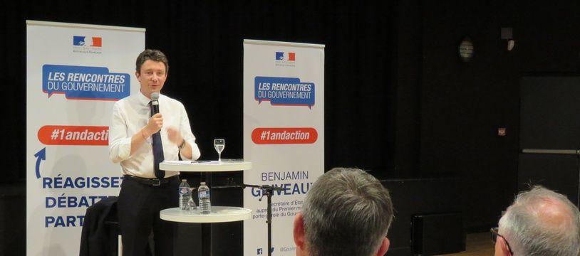 Plus de 200 personnes ont assisté à la réunion publique de Benjamin Griveaux ce jeudi soir à Hennebont (Morbihan).