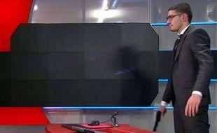 L'arme de l'homme qui a fait irruption sur un plateau de la chaîne néerlandaise NOS était factice.