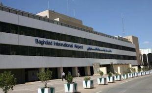 La compagnie française Aigle Azur inaugure samedi le premier vol direct depuis 20 ans d'un transporteur européen sur Bagdad, permettant de relancer les échanges économiques franco-irakiens et atténuant l'isolement de l'Irak dans le ciel international.