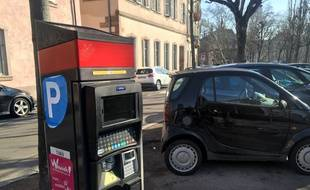 Borne de stationnement. Strasbourg le 21 mars 2018.