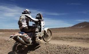 Le pilote italien Luca Manca, le 6 janvier 2010, lors du Dakar.