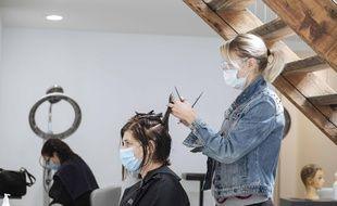 Un salon de coiffure à Paris, en mai 2020.