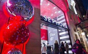 Le magasin Séphora sur les Champs Élysées à Paris