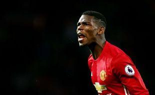 Paul Pogba aurait-été pris à partie par des supporters dans un restaurant de Manchester.