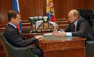 """La Maison Blanche a averti la Russie que le conflit pourrait avoir un impact """"important"""" sur ses relations à long terme avec les Etats-Unis et que la réaction russe au retrait géorgien, si celui-ci était confirmé, serait """"un test""""."""