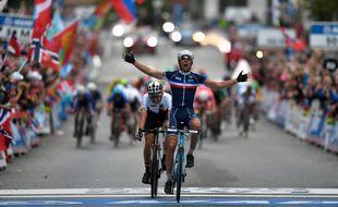 Le Français Benoît Cosnefroy est champion du monde espoirs de cyclisme sur route.