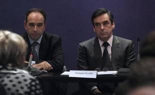 Cette intronisation au poste de secrétaire général, qui était occupé depuis fin 2008 par Xavier Bertrand, s'est faite à l'occasion d'un bureau politique, instance suprême de l'UMP, réuni depuis 18H00 au siège national en présence du Premier ministre François Fillon.