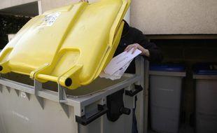 Poubelles jaunes tri selectif le 17 10 2005
