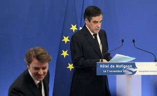 """Le deuxième plan de rigueur dévoilé par François Fillon est """"mou du genou"""", inefficace et accentue les inégalités sociales, critiquent mardi de nombreux éditorialistes qui prédisent l'annonce, tôt ou tard, d'un troisième plan."""