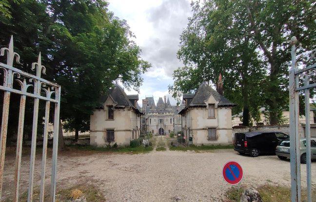 Le château de Vigny en mode ultra grand-angle.