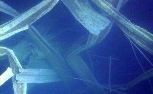 L'opérateur de la centrale nucléaire accidentée de Fukushima (nord-est du Japon) a diffusé de nouvelles images révélant l'étendue des dégâts dans une piscine de stockage du combustible usagé du réacteur 3, l'un des trois les plus critiques.