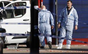 Des enquêteurs sur les lieux de l'attaque à Londres