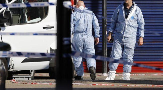 Des enquêteurs sur les lieux de l'attaque à Londres – TOLGA AKMEN / AFP