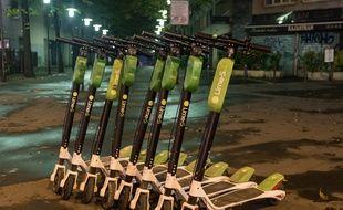 Les trottinettes Lime sont ramassées chaque soir par des «juicers» rémunérés.