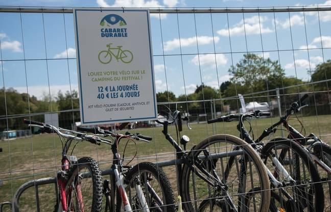 Co-voiturage, location de vélos, accueil chez l'habitants... Le festival limite les transports.