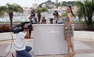 L'actrice canadienne Rachel Blanchard pose pour un photocall au festival de Cannes, le 22 mai 2008