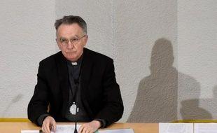 Mgr Georges Pontier, archevêque de Marseille, parle devant la Conférence des évêques de France (CEF) qu'il préside le 15 mars 2016