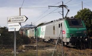 Image d'illustration d'un train de fret.