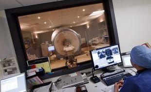 IRM, Imagerie à résonance magnétique. (Illustration)