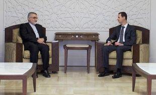 """Le chef d'une délégation parlementaire iranienne, Allaeddine Boroujerdi, en visite à Damas, a affirmé samedi que l'Iran """"avait informé officiellement les Etats-Unis"""" en 2012 que les groupes rebelles syriens avaient en leur possession des armes chimiques, a rapporté l'agence officielle Irna."""