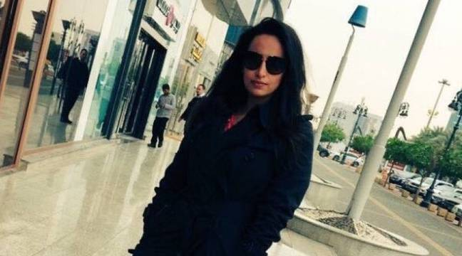 arabie saoudite une femme arr t e apr s avoir post une photo sans voile sur twitter. Black Bedroom Furniture Sets. Home Design Ideas